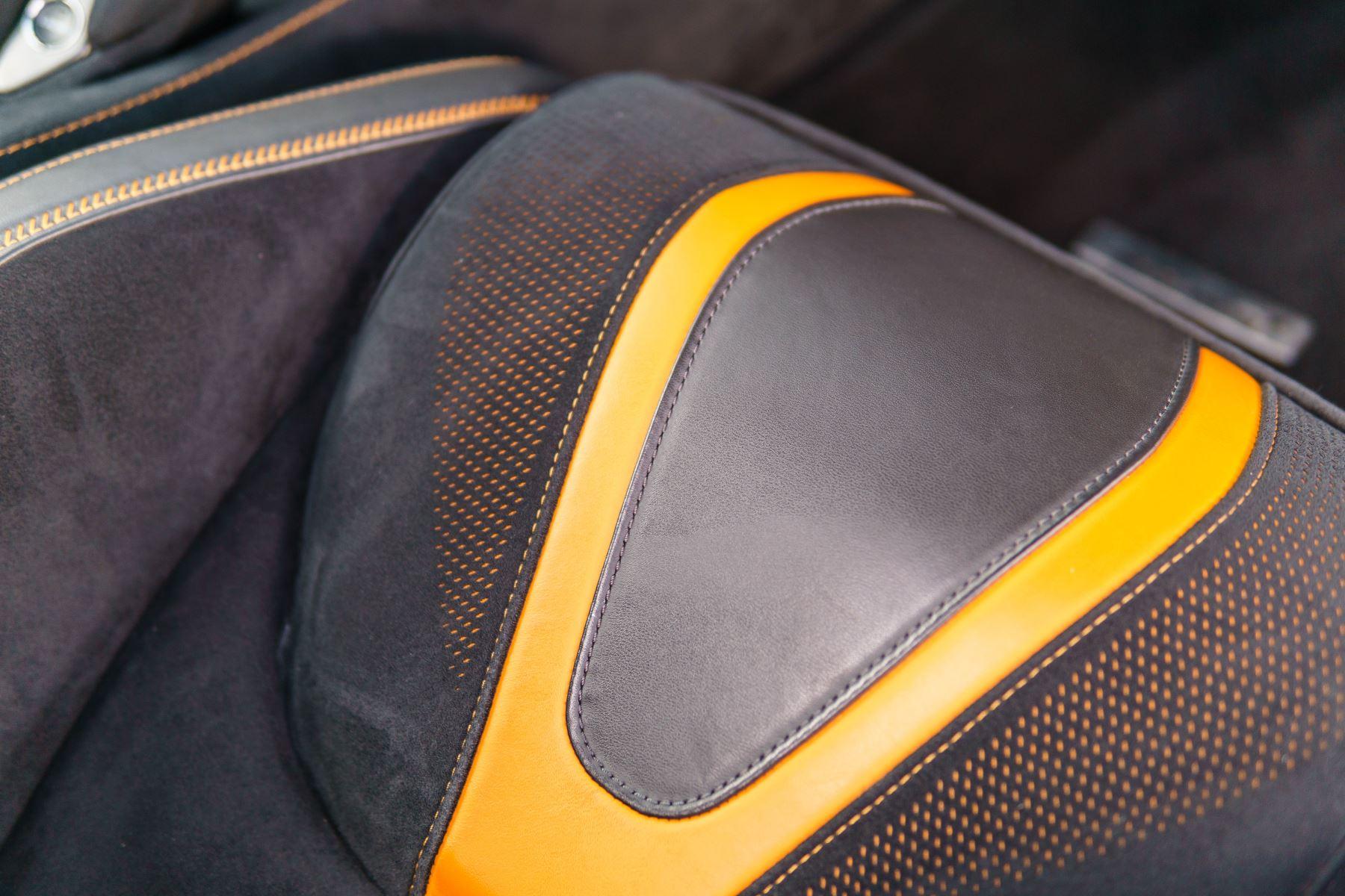 McLaren 720S V8 2dr SSG PERFORMANCE image 37